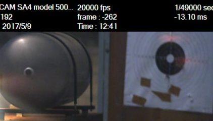 Disparo con munición 7,62 perforante-incendiaria a depósito protegido con  ExploStop®